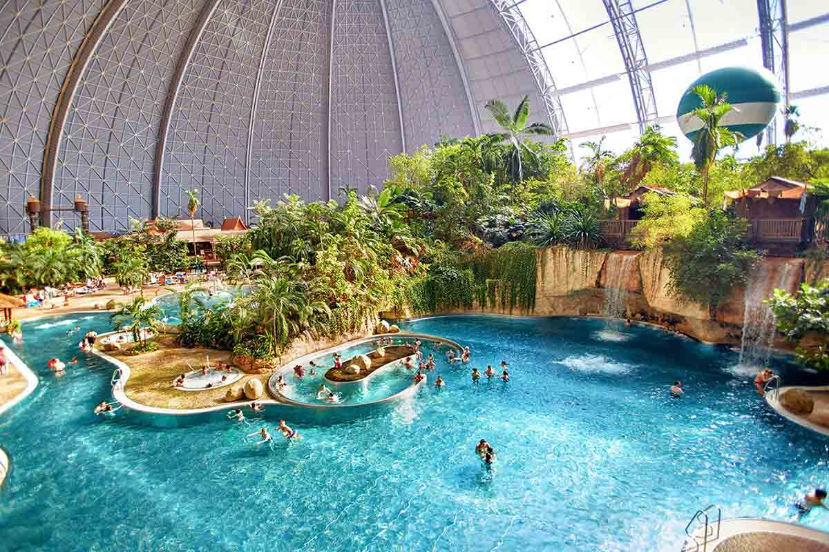 10 Best Water Parks In The World For Kids & Family