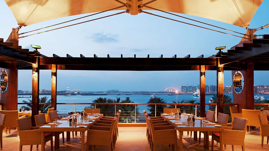 15 super romantic restaurants in dubai for Best romantic hotels in dubai