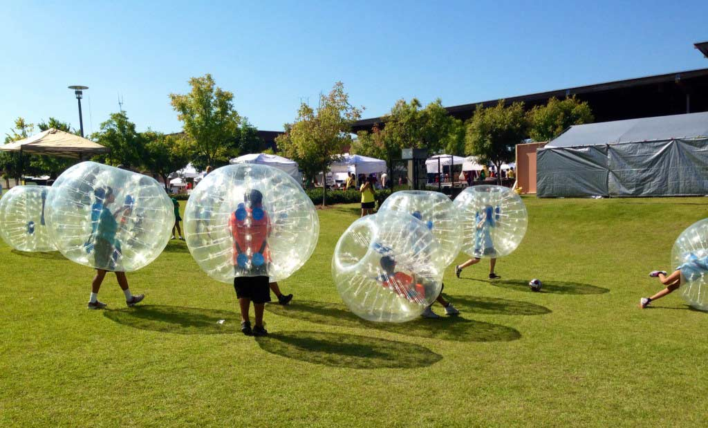 Play Bubble Soccer dubai