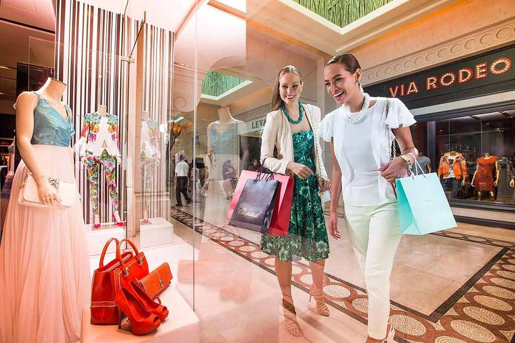 shopping at Atlantis the palm dubai