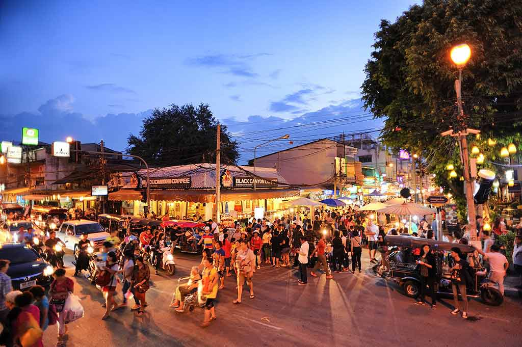 Sunday Walking Street Markets Chiang Mai