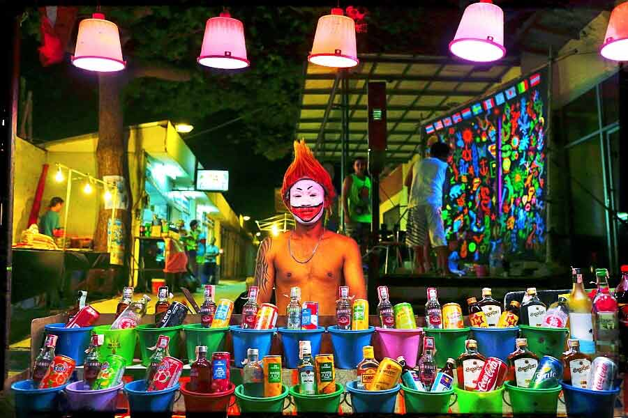 bucket-drinks-full-moon-party-thailand